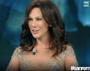 "Sanremo 2016, Virginia Raffaele imita Sabrina Ferilli: ""Nel '96 mi dicevano 'a bona', ora 'a bona sera' """