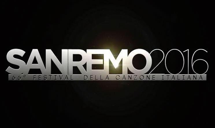 A Sanremo irrompe l'attualità: Elton John all'Ariston col marito