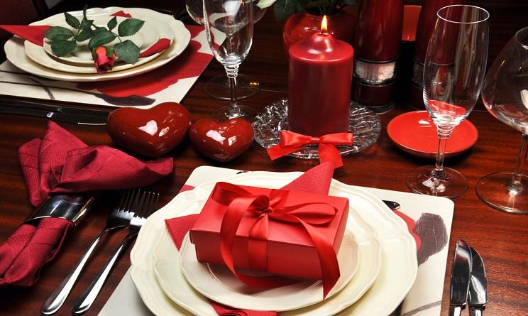 San valentino 2016 come apparecchiare la tavola per una - Cena romantica menu casa ...