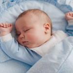 come far dormire neonato nel suo lettino, sonno bambini, nanna neonato, come addormentare un neonato nella culla, come addormentare un neonato senza seno, come addormentare un neonato da solo, come farlo addormentare da solo, far dormire un neonato,