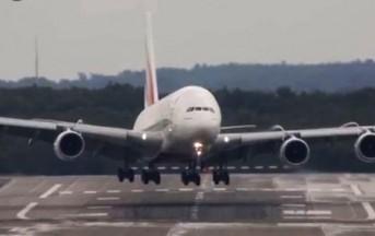 Fiumicino a fuoco motore Airbus durante decollo: terrore per 178 passeggeri