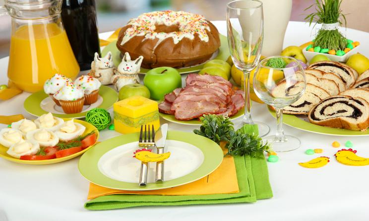Pasqua 2016 pranzo carne pesce vegetariano o vegano - Tavola imbandita per pasqua ...