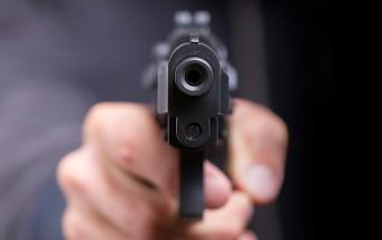 Ischitella ragazzina colpita in volto da proiettile mentre va a scuola: è in condizioni gravissime