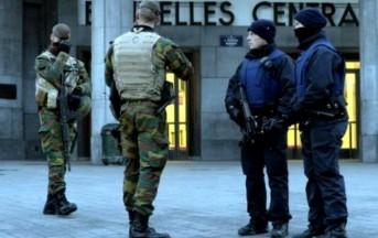 Sparatoria a Bruxelles: agenti attaccati a colpi di kalashnikov durante blitz anti-terrorismo