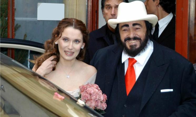 Nicoletta mantovani a domenica live l 39 amore per luciano for Luciano pavarotti nicoletta mantovani