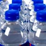 liquido corrosivo nell'acqua