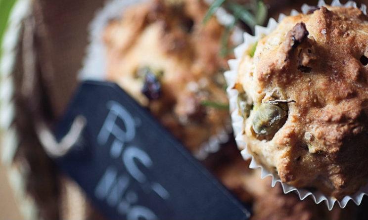 muffin salati senza uova con pomodori secchi fave e noci