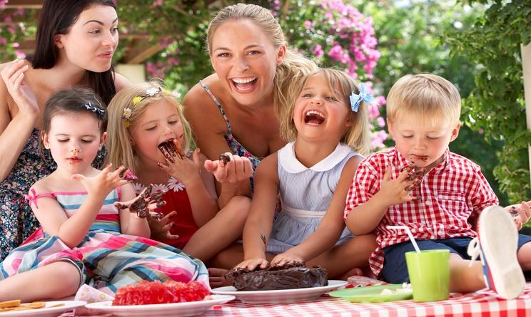 festa della mamma, festa della mamma 2016, festa della mamma 2016 come festeggiare, festa della mamma 2016 quando, festa della mamma 2016 lavoretti, festa della mamma 2016 cosa cucinare,