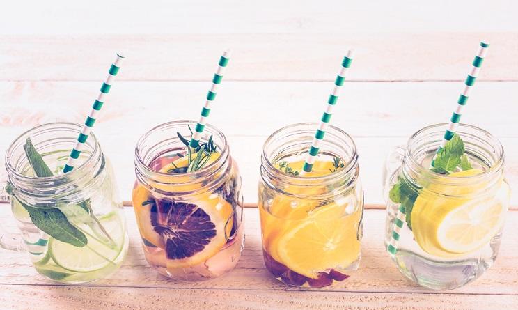 Molto Bevande detox per dimagrire: 3 ricette fai da te alla frutta  AA55