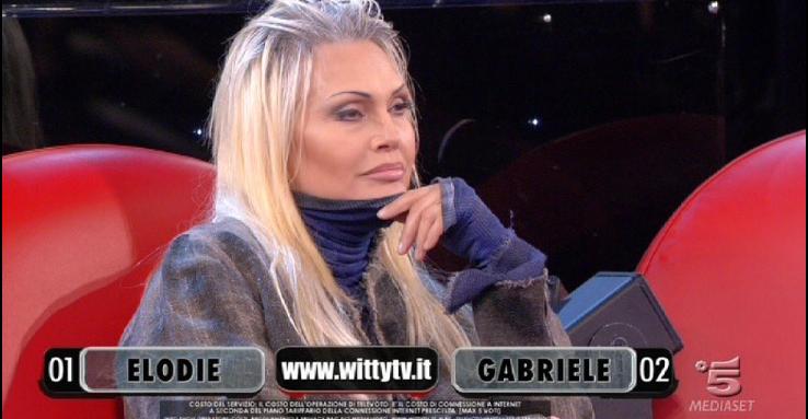 Anna Oxa contro Virginia Raffaele: la sua non è comicità