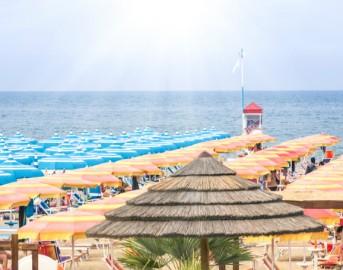 Bandiere Blu 2017 Italia: 342 spiagge premiate, mare più pulito e trionfo Liguria