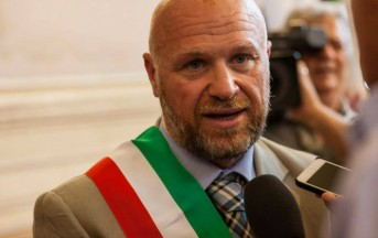 Livorno, indagato il sindaco Nogarin: inchiesta sul concordato Aamps