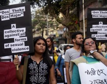 Orrore in India: 15enne stuprata, uccisa e appesa a un albero