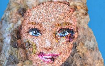 Una Barbie tumefatta per dire no alla violenza sulle donne: l'opera sarà esposta alla Triennale dell'Arte di Verona