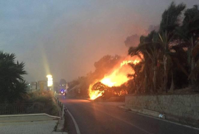 sicilia incendi ultime notizie