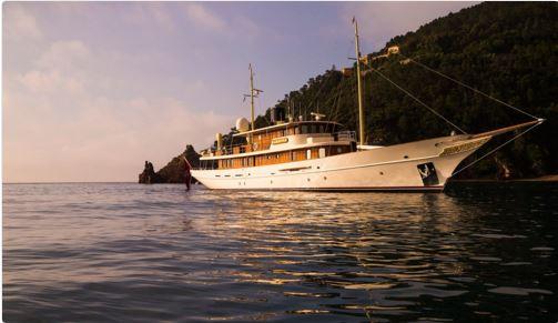 Yacht Johnny Depp 50 Sfumature di Rosso