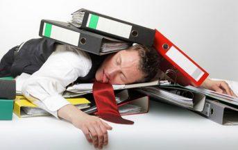 Burnout sul lavoro: sintomi e rimedi contro l'esaurimento emotivo
