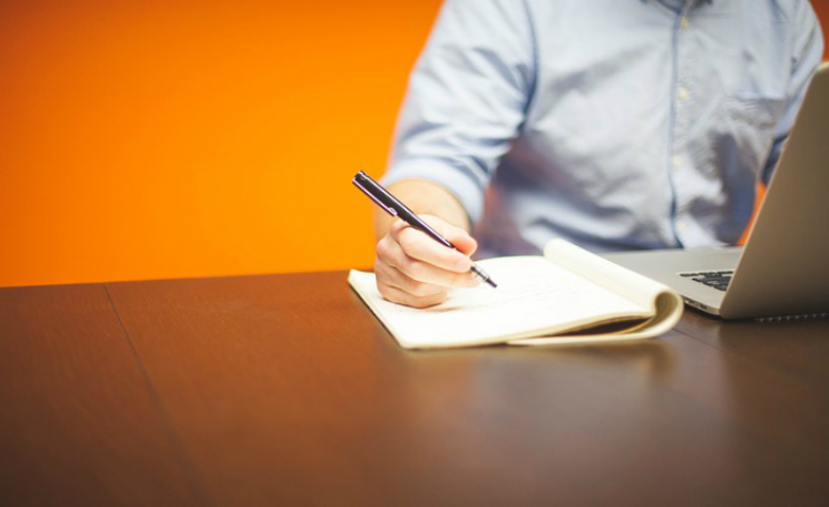 Come scrivere un curriculum vitae per neolaureati