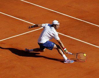 Tennis, Paolo Lorenzi vince l'ATP di Kitzbuhel: primo titolo in carriera per l'italiano