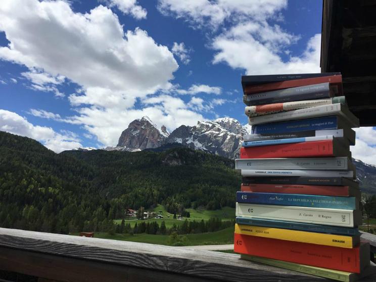 una montagna di libri cortina d'ampezzo
