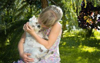 Animali in casa e bambini: consigli per convivere felici