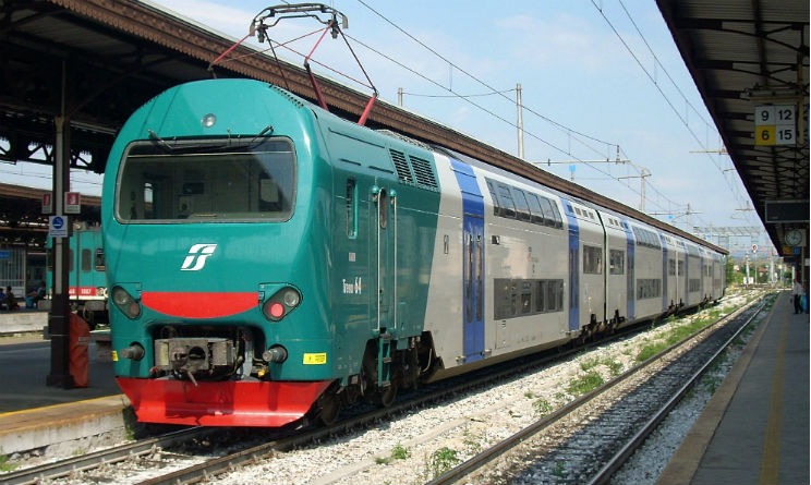 Milano coppia travolta treno