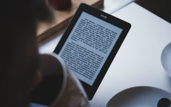 Amazon, ecco le città in cui si legge di più: Milano in testa e predilige il digitale