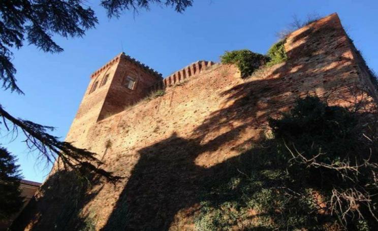 Castello di Arignano fantasma vendita