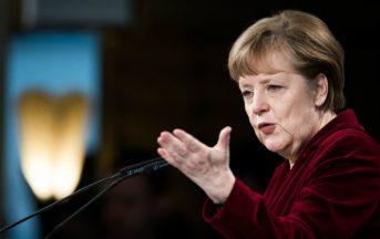 """Angela Merkel, immigrazione: """"Accoglieremo centinaia di profughi da Grecia e Italia"""""""
