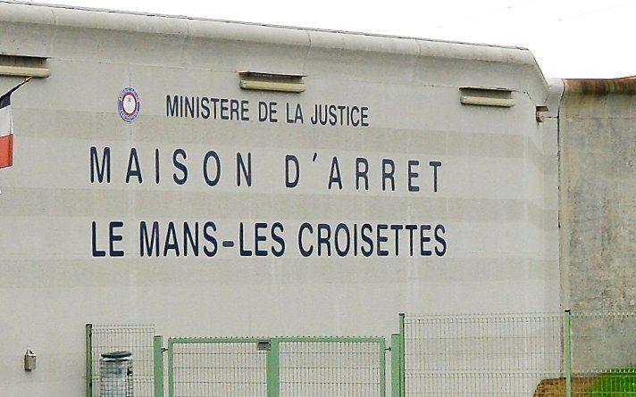 ostaggi-in-carcere-francia-712x445.jpg (712×445)