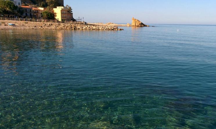Sicilia Tusa spiaggia Lampare