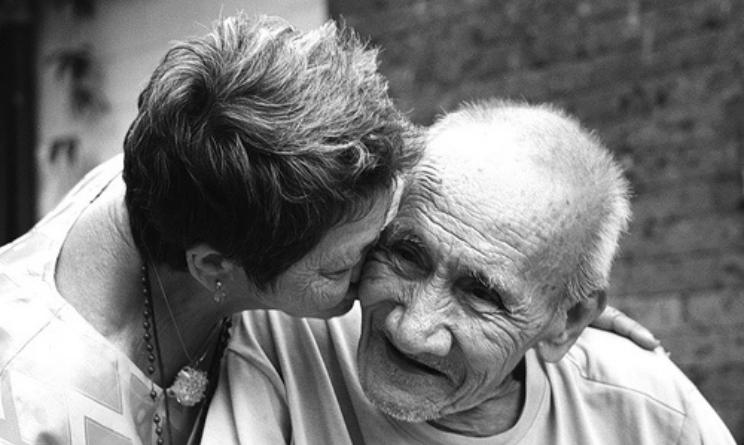 Alzheimer, aducanumab: il farmaco che riduce le placche nel cervello