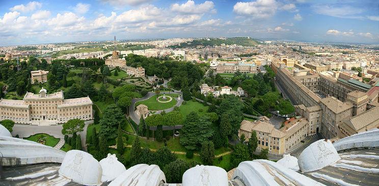 Roma, i giardini del Vaticano