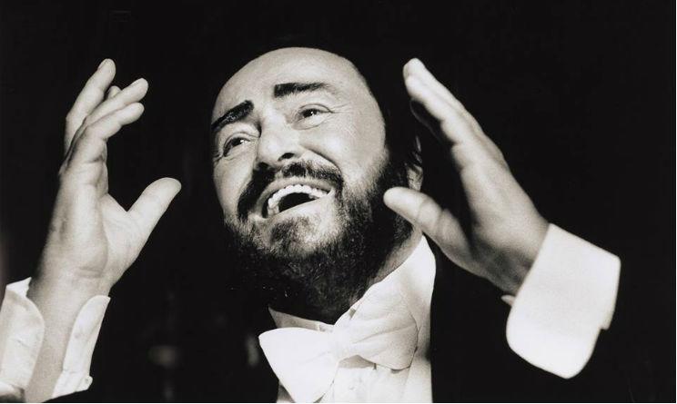 Qui dove il mare luccica: diretta concerto omaggio a Pavarotti su Radio2