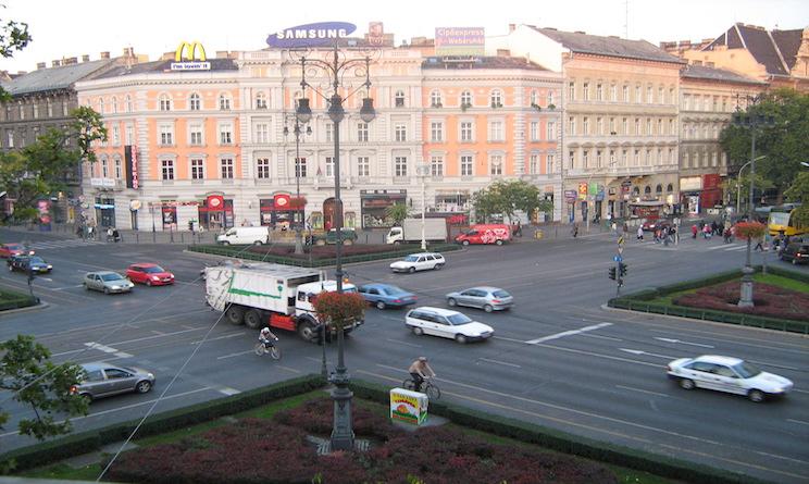 Esplosione a Budapest, era attacco alla polizia