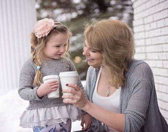 Essere mamma oggi: l'identikit della mamma moderna tra soddisfazione e nuovi bisogni