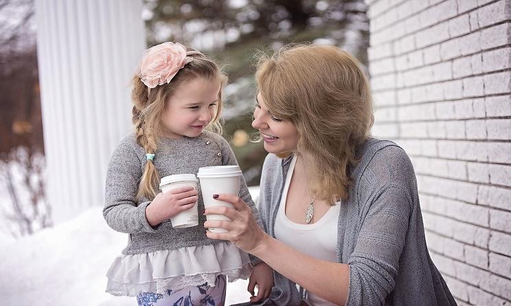 essere mamma oggi, mamme oggi, mamme contemporanee, essere mamma oggi bisogni, essere mamma oggi aiuti,