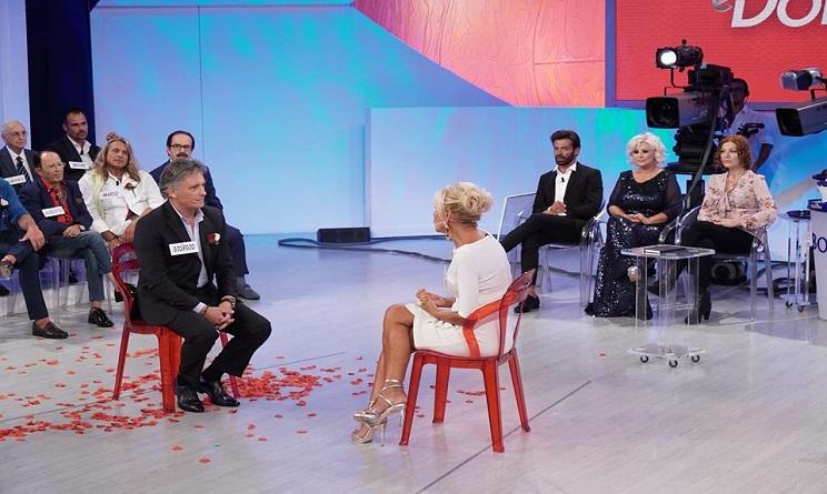 Uomini e Donne: Rissa in Studio Tra Tina e una Famosa Dama