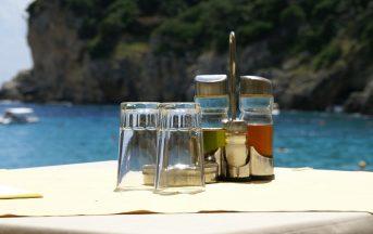 """Olio d'oliva, Coldiretti: """"Non a norma le oliere in tre ristoranti su quattro"""""""