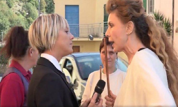 Le Iene Show: Eleonora Brigliadori aggredisce Nadia Toffa