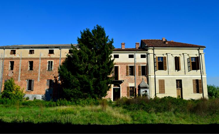 Paesi fantasma in piemonte leri cavour viaggio for Luoghi abbandonati nord italia