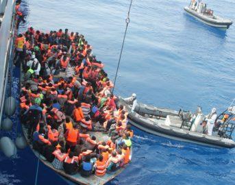 Migranti, naufragio al largo della Libia: molti dispersi, ci sono bambini