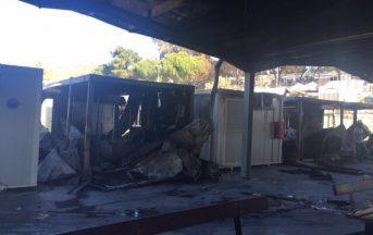 Migranti incendiano struttura UE a Lesbo: prima il lancio di pietre, poi le fiamme