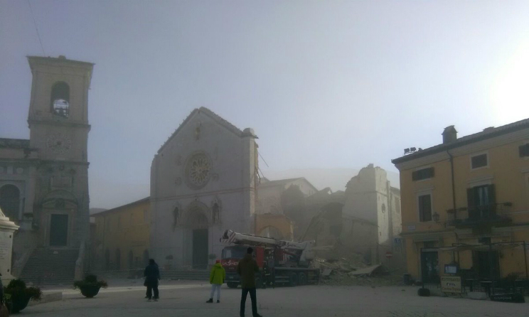 Terremoto centro Italia cani ululavano