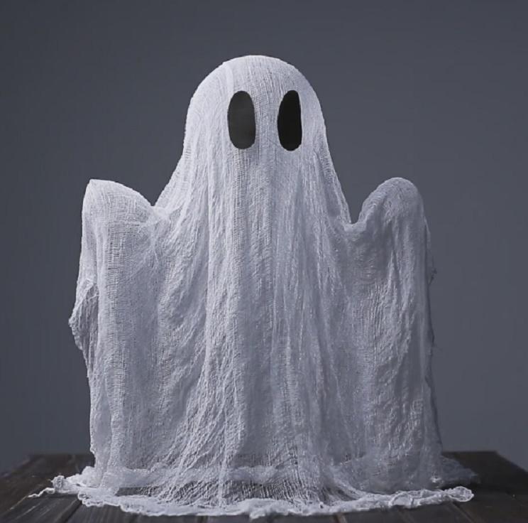 fantasma con garza e colla vinilica