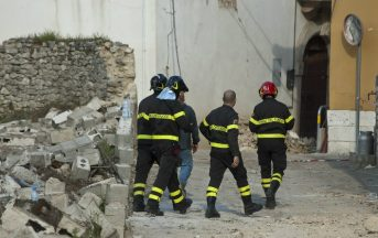 """Terremoto Italia, terremotati in protesta a Montecitorio: """"Dateci delle risposte"""""""