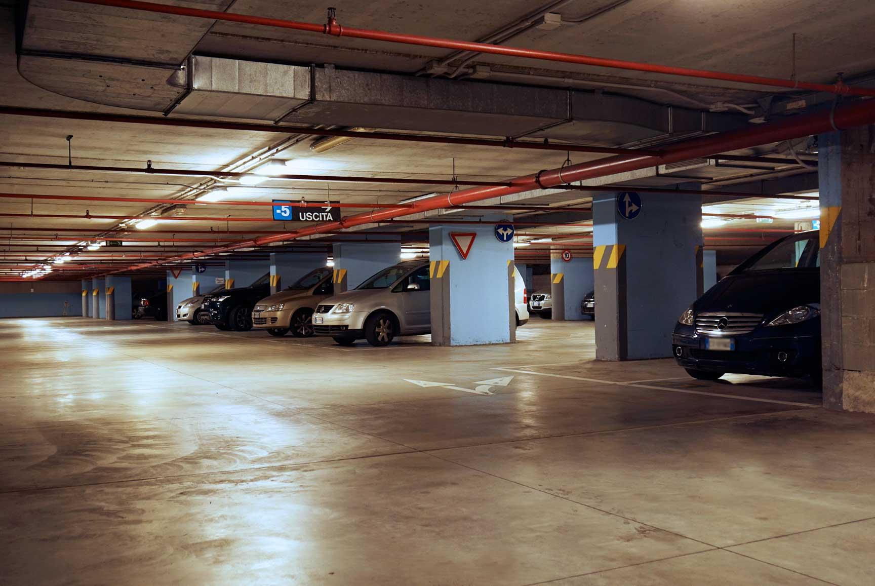 parcheggi milano centro ecco dove lasciare la propria