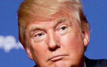 """Donald Trump news: il presidente Usa accusato di aver rivelato informazioni """"top secret"""" sull'Isis alla Russia"""