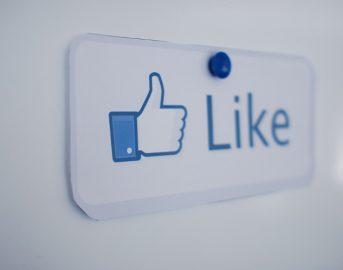 """Facebook aggiornamento e news: nuove funzionalità in arrivo come Live Contributor e """"Progetto Giornalismo Facebook"""""""