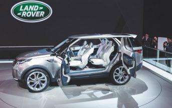 Nuova Land Rover Discovery 2017 prezzo, caratteristiche e foto del Suv formato famiglia